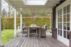 Als er een veranda komt in de toekomst ooit, dan ook een houten vlonder