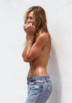 Candice Swanepoel – Bikini Shooting for Victoria's Secret in Miami 14.09.12