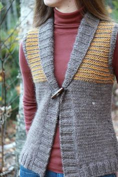 Diy Crafts - Freeport Shawl Collar Knit Pattern Finished Sizes, Bust Measurements: Yardage/Skeins N Knit Vest Pattern, Sweater Knitting Patterns, Knitting Designs, Knit Patterns, Knitting Wool, Knitting Projects, Knitting For Beginners, Cardigans For Women, Knit Crochet
