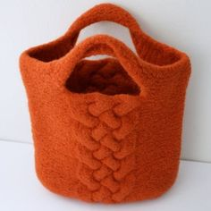 In the berry patch — I am adding this beautiful felted orange bag to my. Yarn Crafts, Felt Crafts, Knitting Projects, Knitting Patterns, Orange Bag, Burnt Orange, Orange Handbag, Knitted Bags, Felted Bags