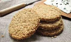 Are oatcakes delicious or dull, what do you top them with – and is it worth making your own? Felicity Cloake finds the perfect recipe Muffins, Oat Pancakes, Scottish Oatcake Recipes, Scottish Recipes, British Recipes, Scottish Oat Cakes, Savoury Biscuits, Snack Recipes, Cooking Recipes