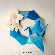 """342 Likes, 17 Comments - kamikey カミキィ (@kamikey_origami) on Instagram: """"折り鶴をきれいに折るのって実は難しいなあと思います「シンプルリース」と「クローバ一」の作り方はYouTube"""" kamikey origami""""チャンネルをご覧下さい ✳︎…"""""""
