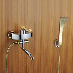 Modern Muurbevestigd Inclusief handdouche with Keramische ventiel Single Handle drie gaten for Chroom Douche Badrandkranen