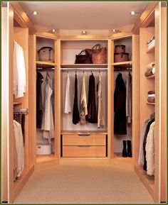 A walk in wardrobe or dressing room is an enviable addition to any home. Whether you need walk in wardrobe ideas, designs or even storage, Hammonds have experts on hand to guide you through. See Hammonds' walk in wardrobe ideas today. Closet Design Tool, Walk In Closet Design, Wardrobe Design, Closet Designs, Walk In Closet Small, Small Closets, Walk In Wardrobe, Front Closet, Dream Closets