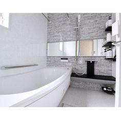 4LDKで、家族の、バス/トイレ/モノトーン/ホワイトインテリア/海外インテリアに憧れる/シンプルインテリア/マイホームについてのインテリア実例。 「TOTOイベント用*...」 (2017-07-09 10:42:36に共有されました) Japanese Bath, Bathroom Toilets, House Rooms, House Plans, Bathtub, House Design, Interior Design, Toto, Home Decor