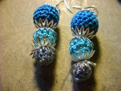 orecchini di perle rivestite con lavorazione all'uncinetto