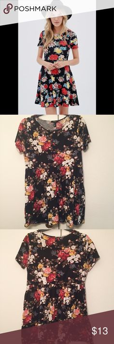 Forever 21 Floral Skater Dress Forever 21 floral skater dress.  Super cute, comfy, and soft. Perfect for date night or casual wear. Worn only once. No trades. Forever 21 Dresses Midi