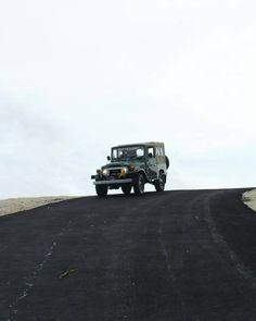 """Foto de : @dellyariansyah #fj40venezuela #Toyota #LandCruiser #PasionFj40 #OffRoad #OnlyLancruiser #OnlyToyota"""