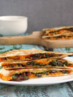 These kale sweet potato quesadillas are the excellent choice for those who are looking for a healthy option for breakfast or lunch. Milk Recipes, Kitchen Recipes, Whole Food Recipes, Vegetarian Recipes, Cooking Recipes, Healthy Recipes, Healthy Foods, Easy Recipes, Dinner Recipes
