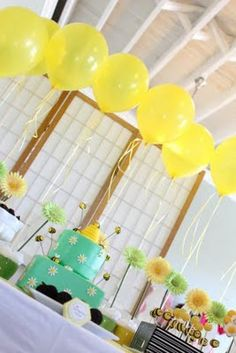 I like the yellow balloons as a backdrop