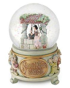 Amazon.com: Disney Exclusive Snow White Wishing Well Snowglobe: Everything Else