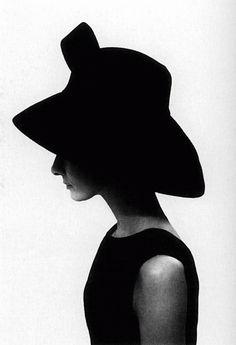 "accras: "" "" Audrey Hepburn, 1961 "" Lady in black hat """