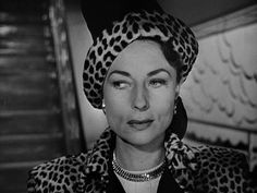 Agnes Moorehead is very chic for a change - no spinster dress, no crazy hair - in Dark Passage (Delmer Daves, 1947) viawhilecinemavisionsd...