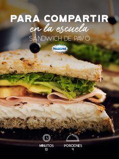 Prepárale a tus peques el lunch más rico con este Sándwich de pavo.   #recetas #receta #quesophiladelphia #philadelphia #crema #quesocrema #queso #comida #antojo #sándwich #pavo #carne #jamóndepavo #lechuga #jitomate #aguacate