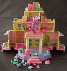 POLLY POCKET  I remember getting this for Chrismas. Best gift ever.