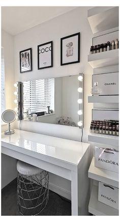 Teen Bedroom Designs, Bedroom Decor For Teen Girls, Room Design Bedroom, Room Ideas Bedroom, Home Decor Bedroom, Decor Room, Modern Teen Bedrooms, White Bedroom Decor, Luxury Bedroom Design