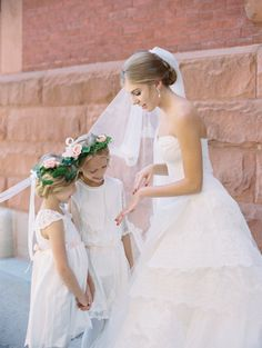 Adorable bride & flower girl moment: http://www.stylemepretty.com/vault/gallery/38529 | Photography: Abby Jiu - http://abbyjiu.com/
