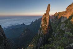 Agulha do Diabo - Parque Nacional da Serra dos Órgãos - RJ