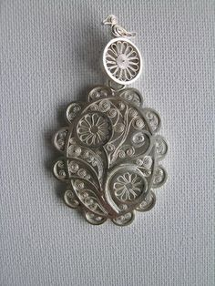 Soldered filigree pendant by Maja Houtman