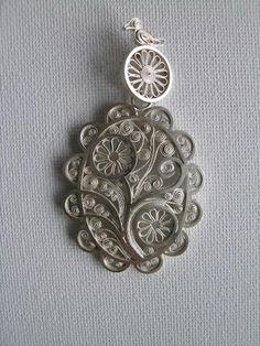 Soldered filigree pendant by Maja Houtman