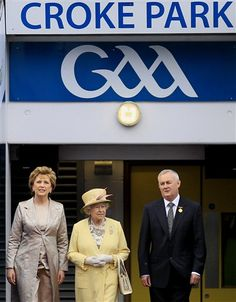 The Queen in Croke Park Croke Park, Field Hockey, Lacrosse, Hurley, Crow, Ireland, Irish, Jokes, Football