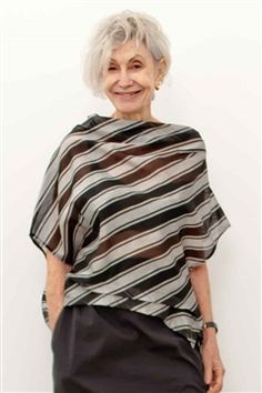 Moyuru black and silver stripe organza top Evening Tops, Advanced Style, Black And White Style, Fashion Tips For Women, Fashion Ideas, Fashion Sewing, Comfortable Fashion, Tunic Tops, Clothes