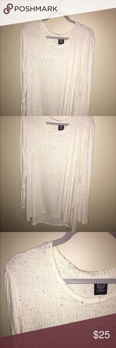 oversized white speckled Sweater LG oversized thermal/sweater! So great with leggings and boots. Perfect comfy staple wardrobe item! Make an offer :) bobeau Sweaters Crew & Scoop Necks