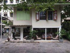 ...the reason I love Bangkok. re-cafe (bangkok)