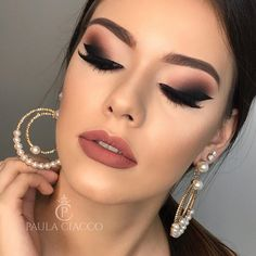 Makeup Tutorial For Beginners Eyebrows Shape Ideas What is Makeup ? What is Makeup ? Generally speaking, what's makeup … Glam Makeup, Makeup Inspo, Makeup Art, Beauty Makeup, Makeup Ideas, Makeup Tips, Eyebrow Makeup, Eyeshadow Makeup, Makeup Tutorial For Beginners