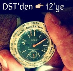 Saatlerinizi 1 saat geri aldiniz mi??? Atop sahiplerinin sadece bezeli cevirip bulundugu sehri 12 pozisyonuna getirmesi yeterli! #saat #atopsaat #kissaati #time #watches #watchmania