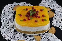 Rulada cu crema de branza si piersici - CAIETUL CU RETETE Cheesecake, Deserts, Food, Cheese Cakes, Desserts, Eten, Postres, Dessert, Cheesecakes