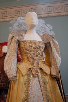 Dress worn by Gwyneth Paltrow as Viola in Shakespeare in Love (1998).