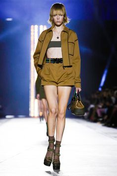 Versace Ready To Wear Spring Summer 2016 Milan - NOWFASHION
