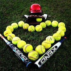 Senior photo shoot ideas for softball players!