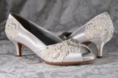 CURRENT TURNAROUND TIME FOR BRIDAL SHOES: http://www.etsy.com/shop/pink2blue/policy  Medium Heels ~ To view some of my other high heel bridal shoes, check the link below: https://www.etsy.com/shop/Pink2Blue?section_id=13286558 All Bridal Shoes: https://www.etsy.com/shop/pink2blue?ref=si_shop  These gorgeous bridal shoes are an exquisite example of what Pink2Blue offers. They are elegant and beautiful for the bride tha...