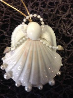 Christmas Angel Crafts, Christmas Fair Ideas, Coastal Christmas, Christmas Deco, Holiday Ornaments, Holiday Crafts, Seashell Painting, Seashell Art, Seashell Crafts