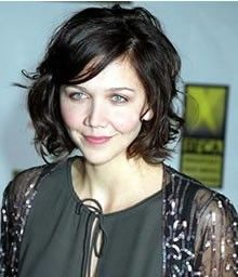 Maggie Gyllenhaal bob w/ curled ends and side swept bangs
