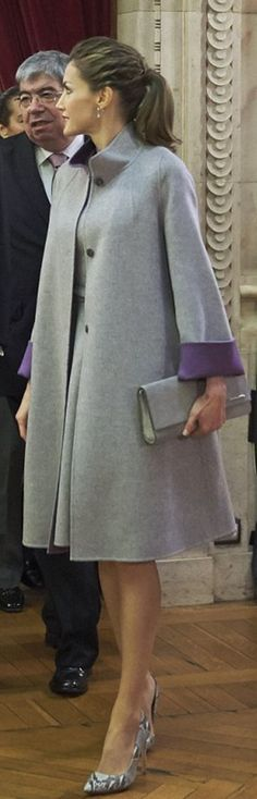Who made Queen Letizia's gray coat?