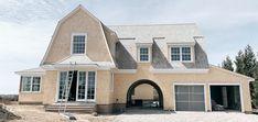 Quogue Gambrel House - DAVID NEFF ARCHITECT Gambrel, Location, Mansions, House Styles, David, Home Decor, Decoration Home, Manor Houses, Room Decor