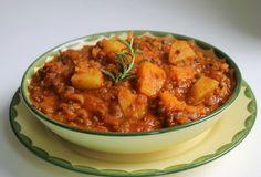 Gourmandises végétariennes: Kürbis-Linsen-Eintopf mit Tomate und Rosmarin