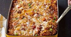 Mexican Beef and Rice Casserole.Here& a tasty way to make a pound of ground beef serve four: a hearty beef and rice casserole made with Mexican-style cheese and taco seasoning. Kraft Foods, Kraft Recipes, Mexican Dishes, Mexican Food Recipes, Dinner Recipes, Ethnic Recipes, Dinner Ideas, Rice Recipes, Pork Recipes