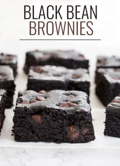 Healthy Desserts Discover Black Bean Brownies - No Flour and theyre so GOOD! Black bean brownies are a special kind of flourless gluten free brownie and this amazing recipe doesnt taste at ALL like beans. Köstliche Desserts, Gluten Free Desserts, Delicious Desserts, Dessert Recipes, Healthy Sweets, Healthy Baking, Vegan Baking, Brownie Sans Gluten, Dessert Halloween