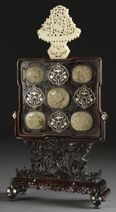 Chinese carved jade rosewood & mother-of-pearl inlaid table screen, Qing Dynasty.