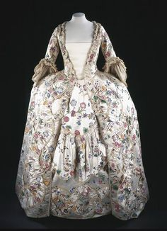 Sack back gown | V&A Search the Collections