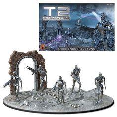 Terminator 2 Judgment Day T-800 Endoskeleton 1:32 Scale Model Kit