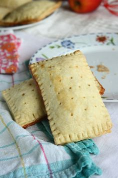 Pop Tarts (Breakfast)  **Quick kids breakfast** filled this with scrambled eggs and ham for a healthier breakfast!