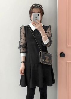 Chic and fabulous in black. #winterstyle #koreanfashion #dresses #miamasvin