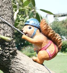 Climbing Squirrel Outdoor Wall Decor