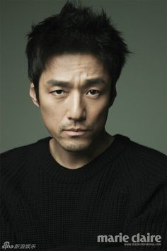 Ji Jin Hee. As Lee Sung Gye he played such a buffoon...he is clever and versatile and smart.