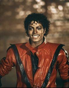 The King of Pop Michael Jackson Mike Jackson, The Jackson Five, Michael Jackson Smile, Michael Jackson Thriller, Paris Jackson, Jackson Family, Michael Jackson Costume, Michael Jackson Wallpaper, Invincible Michael Jackson